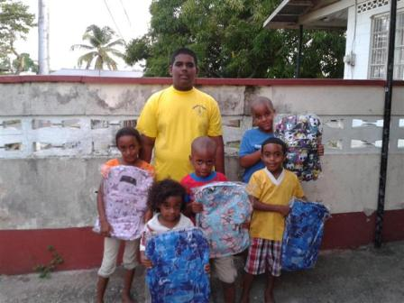 Distributing of book bag in 6 ave malick (2)