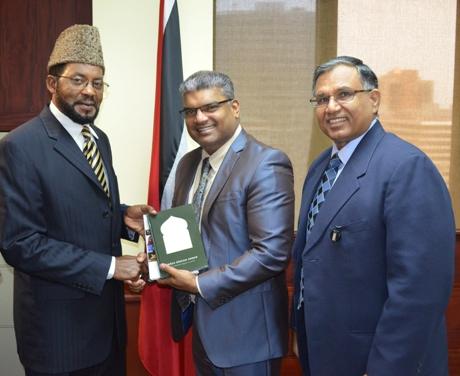 AG Ramlogan Receives Courtesy Call From Maulana Ibrahim Bin Yaqub